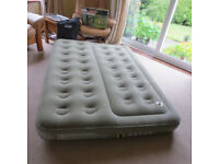 Double airbed with separate chambers .