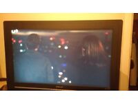 32 Inch TV - Excellent Condition