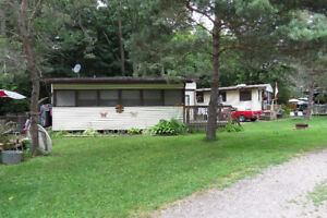 Travel trailer with big add on