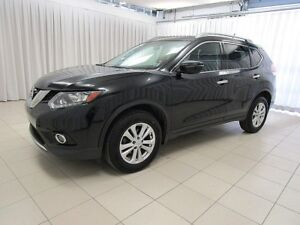 2016 Nissan Rogue SV AWD with SUNROOF!