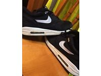 Nike Air Max Black And White Size 10