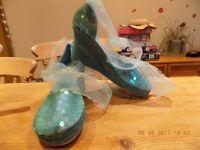 Gorgeous sparkly espedrils - turquoise, size 5