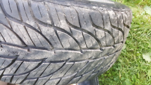 1 almost new  265 40 22 general g max tire
