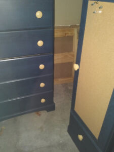Chest of drawers and matching cupboard