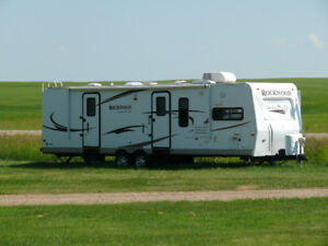 2011 Forest River Rockwood Signature Ultra Lite RV - 30' Long