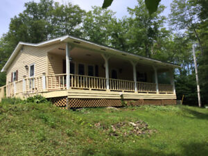 COTTAGE/HOME DEEDED ACCESS TO SHERBROOKE LAKE