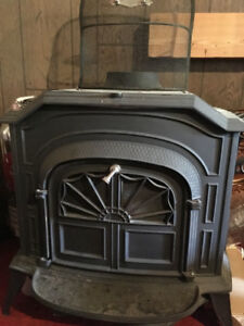Vermont castings Resolute wood stove