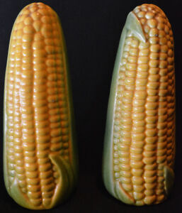 Vintage corn on the cob salt and peppers