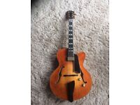 Eastman AR580CE jazz guitar with HSC, honeyburst