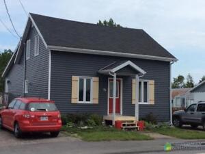 119 900$ - Maison à un étage et demi à vendre à Les Escoumin