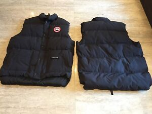 Reduced - 1 Canada Goose - vest no sleeve jacket -