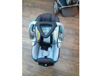 CLEAN AND RARELY USED BABY CAR SEAT FOR £40