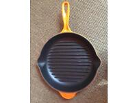 Like New Le Creuset Signature Cast Iron Grillit Pan