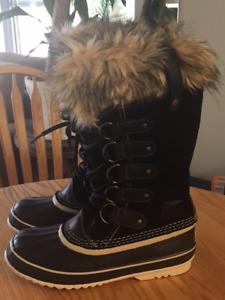SOREL Waterproof Winter boots - Black/Size 9 USA