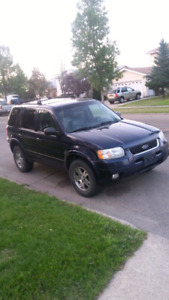 2005 Ford Escape 4X4 Limited LEATHER SUNROOF 2 SETS OF NEW TIRES