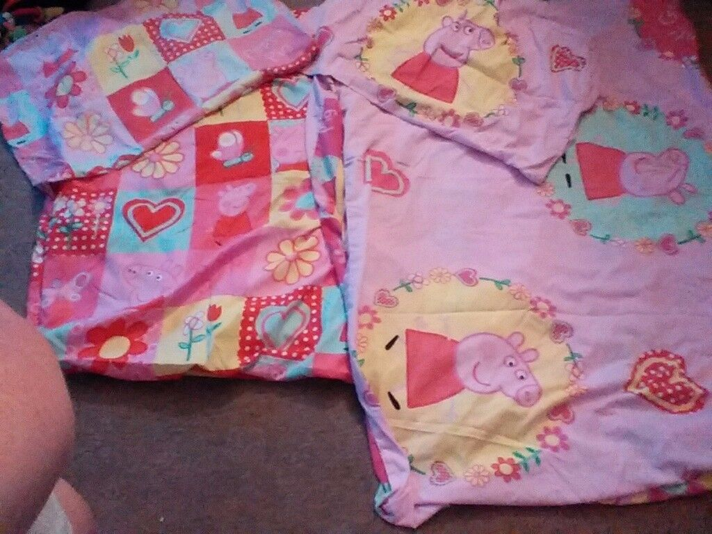2 Single Peppa Pig quilts with pillow cases