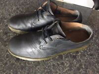 DR MARTENS ONLY £29!!! SIZE 11