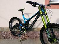 Devinci Wilson Carbon HIGH SPEC Downhill Bike mtb