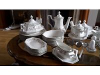 Eternal Beau Johnson Brothers Dinner/Tea Service