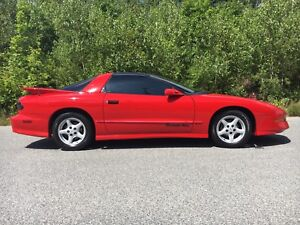 Pontiac Trans Am - Must see!  T-tops