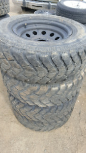 Set of 4 5x4.5 30x9.5r15 lt yokohama geolandar tires