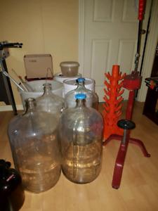 Kit de vin complet + bouteilles de vin + 1 trousse de vin