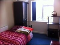 GOOD SIZE SINGLE ROOM, FULLY FURNISHED, UNLIMITED INTERNET, BILLS INCLUDED ,