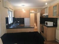 FULHAM BROADWAY: Near Tube, 2 double bedroom, Garden fully furnished Flat - all inclusive