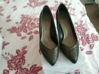 Dorothy perkins size7