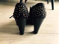 Heels faux leather size 5 (38 EU)