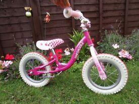 Balance Bike Girls - Raleigh Skedaddle Pink