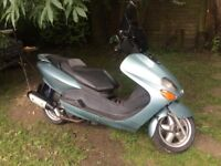 Yamaha 125cc Majesty YP125R. Mot October Learner Legal,good condition-£495 contact 07763119188