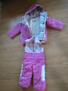 Girls 3 years old Columbia snow suit.
