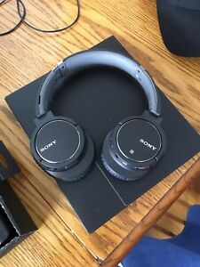 Liquidating 7 pairs of Sony mdr-zx770bn wireless headphones
