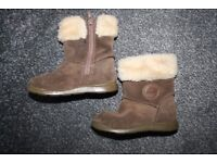 Clarks First Shoes girls brown suede winter shoes 6 f CAN POST