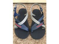 Havaianas Sandals - Size 33-34 (UK 1-2) Not between the toes!