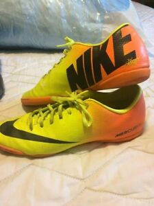 soccer cleats - indoor