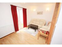 A lovely one bed ground floor flat located close to zone 2 station and shops