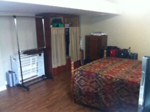 ROOM FOR RENT WEST END NEAR HOSPITAL $500.