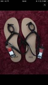 Ladies New Sandals Size 7