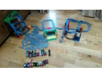 Thomas and friends take'n'play. Tracks and Trains.