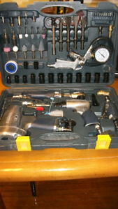 NEW NEVER USED - 100 PIECE AIR TOOL SET