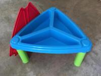 Children's sand and water play table - immaculate