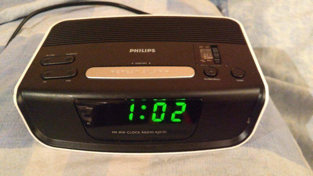 Bedside Alarm Clock Radio Philips AJ3121/05