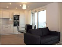 Stunning 1 bedroom apartment with balcony concierge & GYM next To DLR and shops E3 Bow Stratford