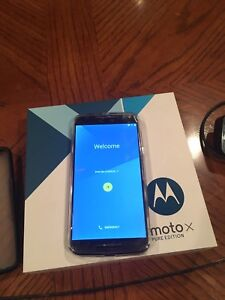 Cell phone Moto X Pure Edition
