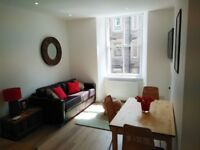 Lovely, bright, freshly decorated 1st floor flat very well located. Leith Walk.