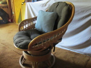 RATTAN SWIVEL ROCKER