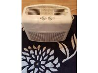 Bionaire air purifier / ionizer Model: LC-1060 in optimal condition and performance