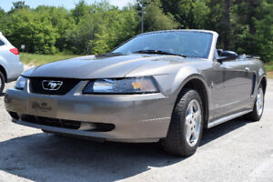 2002 Ford Mustang convertible V6 3.8L Automatique